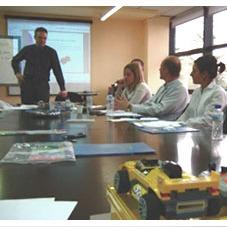 Juan Pablo Villa formando en empresas