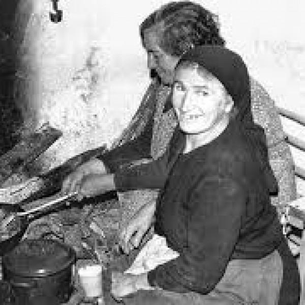 En tiempos de escasez, en la época de la posguerra española, había que trabajar de sol a sol.