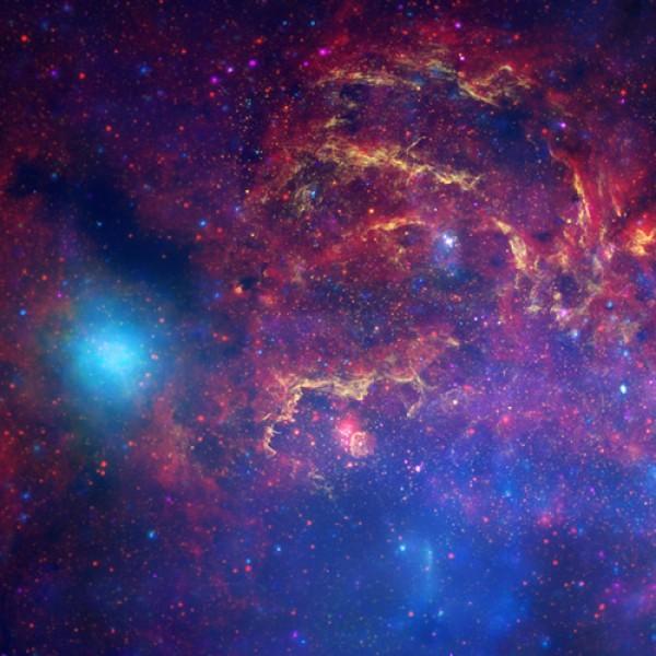 El universo es un espacio inexplorado. Es como un cuadro de escenas magnificas, indomable, creativo, inspirador. La magia, en mi obra, es igual.