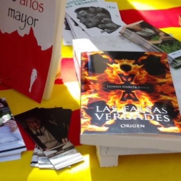 Fue un día inquietante, la gente se para a mirar tú libro y es el primer contacto entre lector y obra.
