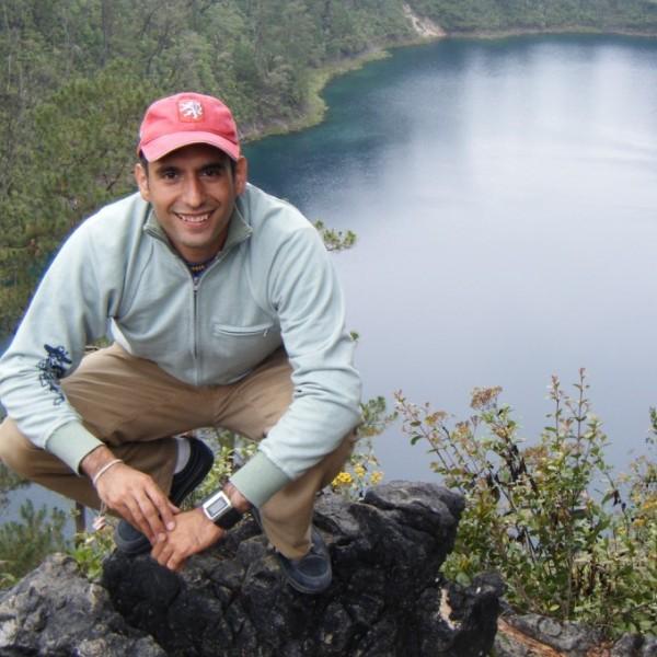 Sergio Hernández Ledward en las lagunas de Monte Bello, Chiapas, México
