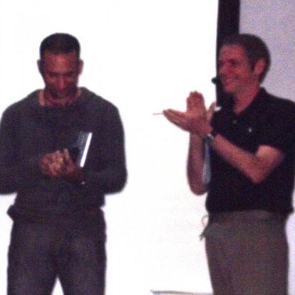 Robert Dilts presentando el libro en Guadalajara