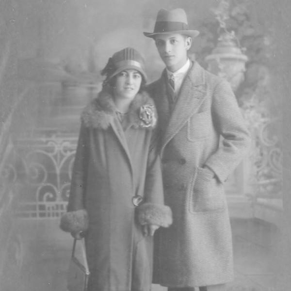 Foto de estudio de mis abuelos Napoleón Mealla y Josefina Biotti.