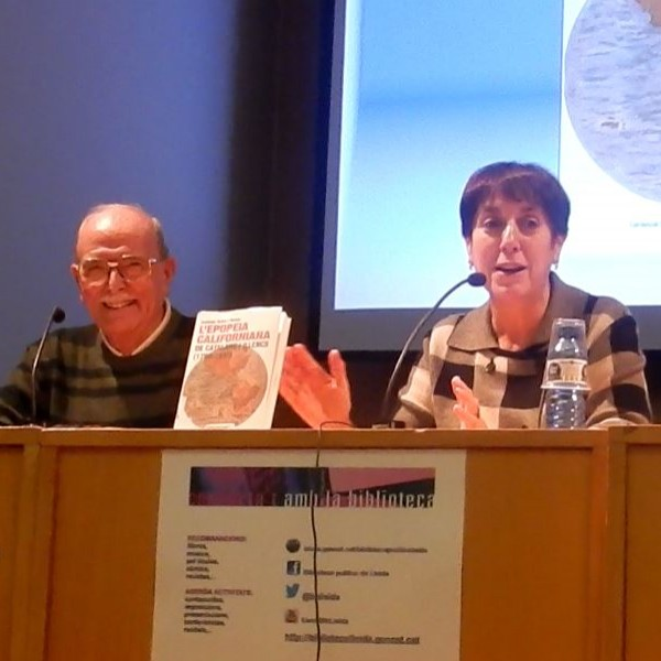 Presentació el 25/11/15 del llibre de Santiago Suñol i Molina a la Biblioteca Pública de Lleida acompanyat de la directora d'aquesta, Maria Antònia Capdevila.
