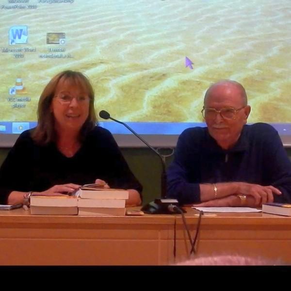 Presentació el 15/10/15 del llibre de Santiago Suñol i Molina al Centre Comarcal Lleidatà (CCLL) a Barcelona, acompanyat de la la vicepresidenta i responsable de cultura del CCLL, Joana Novau