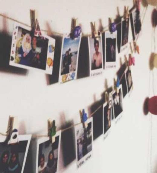 - Aún me pregunto cómo es que nunca he tenido un álbum de fotos- dijo conteniendo al fin una lágrima-. (...) Estoy segura de que guardaría alguna como esta. El lugar perfecto donde perderse. Donde olvidarse de todo