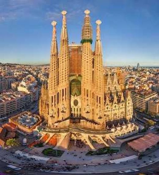 La protagonista de este libro, Círculo Cerrado de Conchi Aragón, viajará a Barcelona donde recibirá una noticia que no se esperaba.