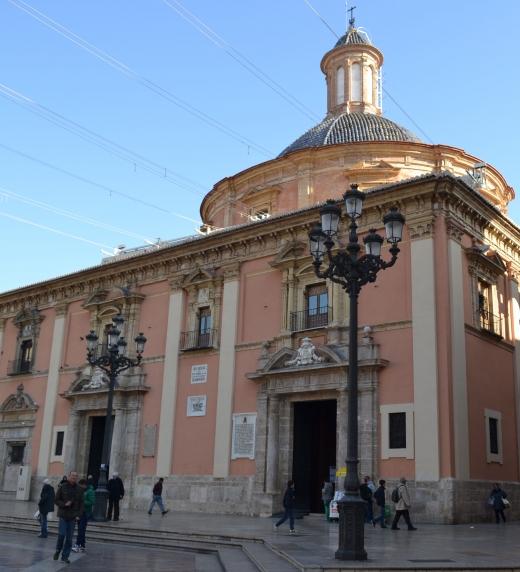 Basílica de la Mare de Deu en Valencia, ciudad en la que se ambienta el libro