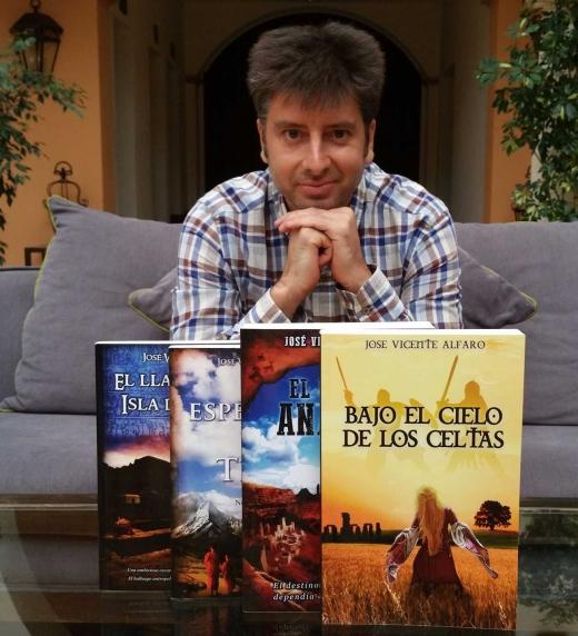 Foto del autor/a José Vicente Alfaro