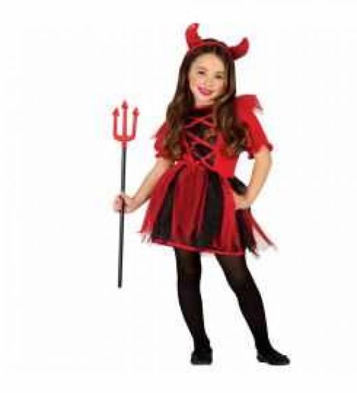 Carla se encontró a una diablesa que quizá era como ésta en el armario de su habitación infantil.