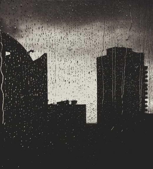 Una tormenta oscurece el día en la ciudad de Elangel Pulois