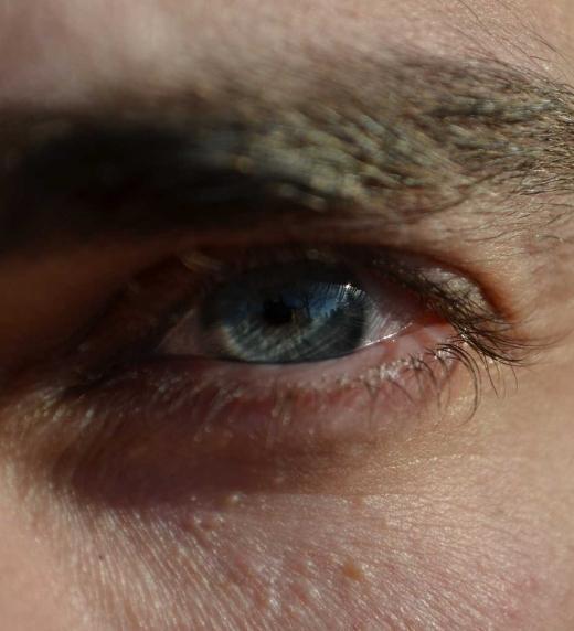 Ojos celestes de Gabriel Saldana