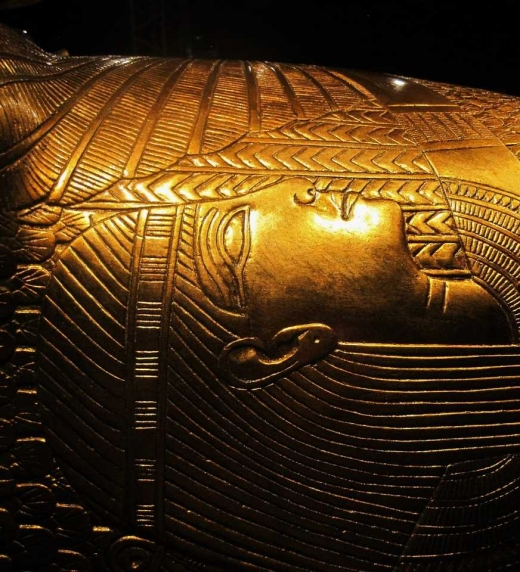 La búsqueda del Libro de Toth llevará al descubrimiento de su tumba en las profundidades de Egipto, donde aguarda la Fuente del mal.