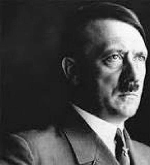 Adolf Hitler (Braunau am Inn, Imperio austrohúngaro; 20 de abril de 1889-Berlín, 30 de abril de 1945) fue un político, militar y escritor alemán, canciller imperial desde 1933 y Führer —líder— de Alemania desde 1934 hasta su muerte.