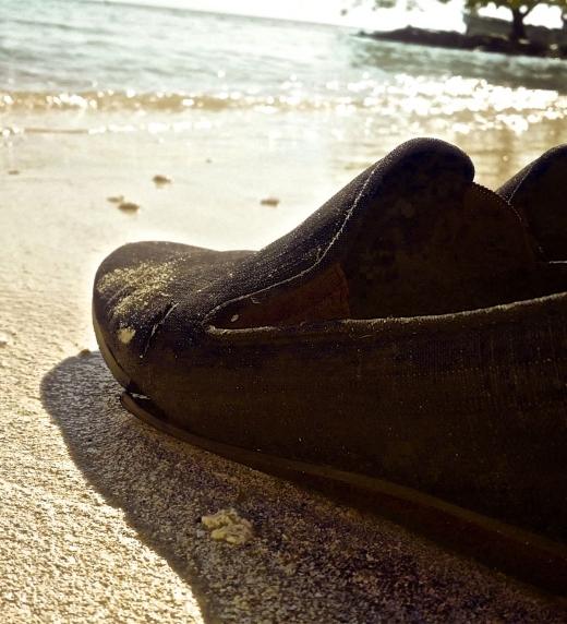 """Imagen del primer cuento """"Si decide volver"""". Playa del pacífico colombiano."""