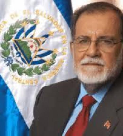 Polémico líder político que logra la coalición de las fuerzas revolucionarias y es uno de los firmantes de los acuerdos de paz. Llega a ser miembro de la Asamblea Legislativa