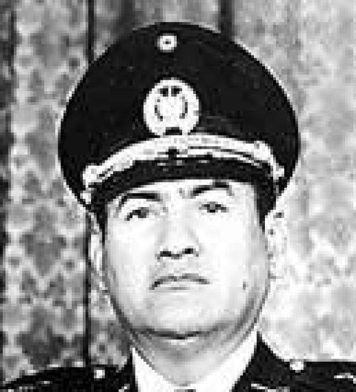 Último presidente militar de El Salvador. Es derrocado por el gobierno del presidente James Carter de los EE. UU., y abandono de la Política de Seguridad Nacional