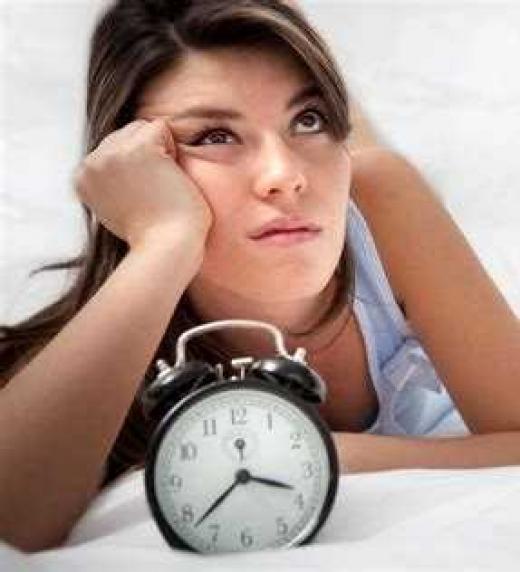 Si sufres de insomnio, lee lo que el Manual de Fibromialgia te explica sobre este síntoma.