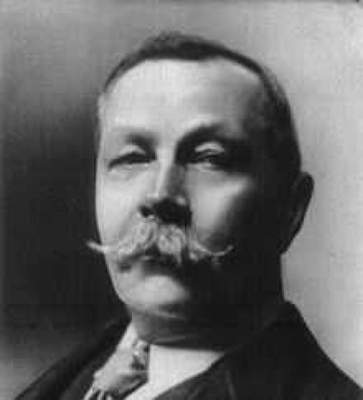 Fotografía de Arthur Conan Doyle, creador de Sherlock Holmes.
