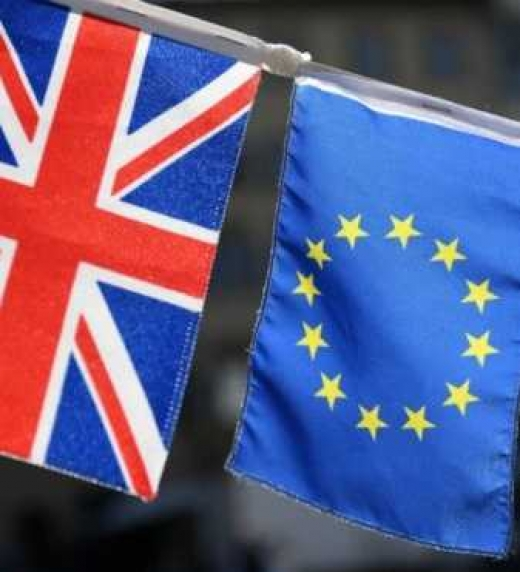 En junio del 2016 se convoca al referendum que se denomina BREXIT y para sorpresa del primer ministro, el viejo orden mundial, el pueblo vota a favor de abandonar la Unión Europea
