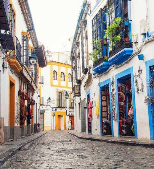Calles estrechas y acogedoras con una gran historia que contar en cada esquina