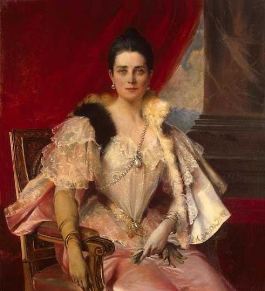 Princesa considerada en su epoca como la mas bella, rica y poderosa del mundo. Una mujer de grandes valores, sencillez y exquisitos modales