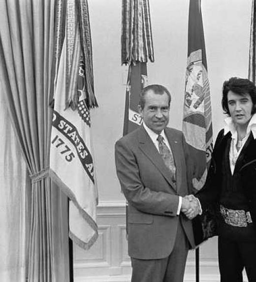 Parodia del encuentro que mantuvieron Richard Nixon y Elvis Presley en 1970.