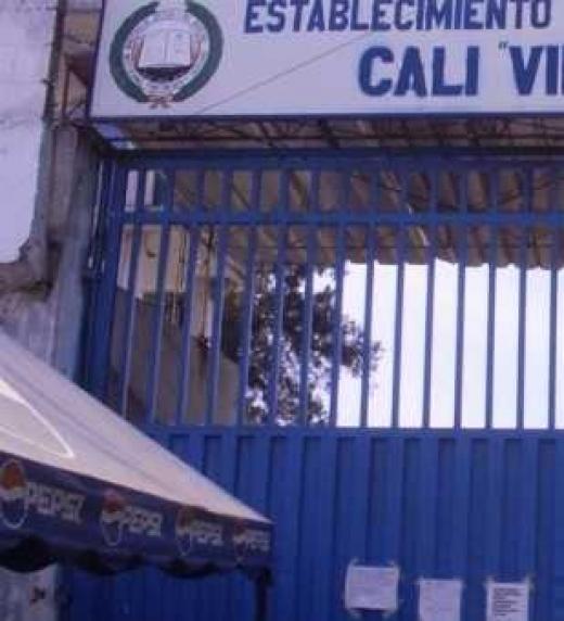Reportaje hecho por el noticiero 90  minutos a la cárcel de Villahermosa en Cali.