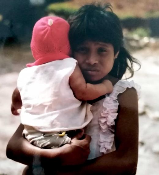 Sobre La Peña del Tigre una novela de J. E. Brignardelli que ve la esperanza de Nicaragua en los ojos de una niña.