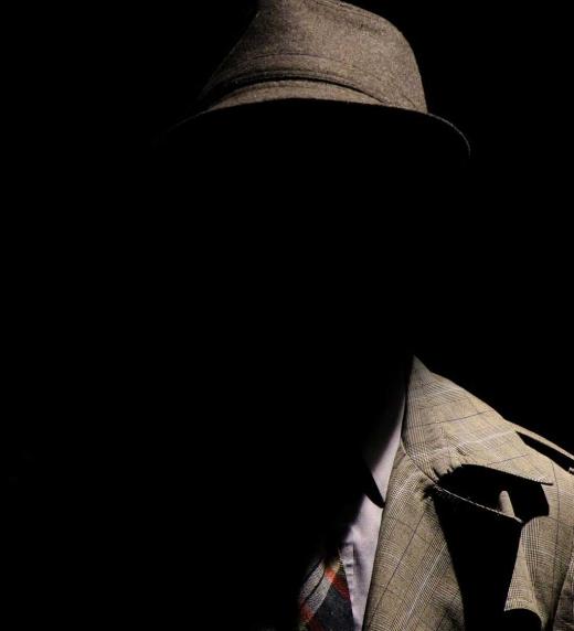 Abuelo disfrazado de Mafioso