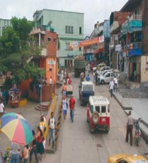 Al parecer, el asesino se esconde en los barrios bajos del pueblo minero de Segovia, Colombia.