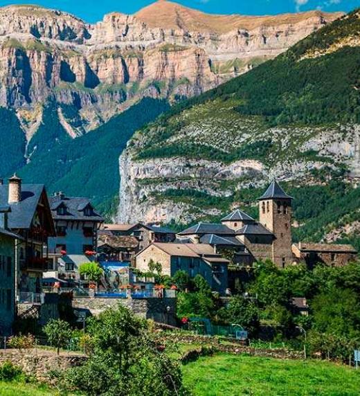 Gala viaja hasta la casa de su abuela, cerca de los Pirineos