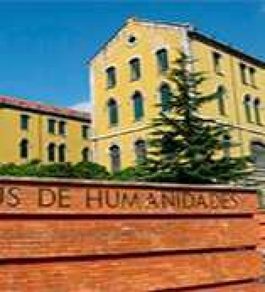 Todo transcurre en la Facultad de Filosofía y Letras de la Universidad de Oviedo