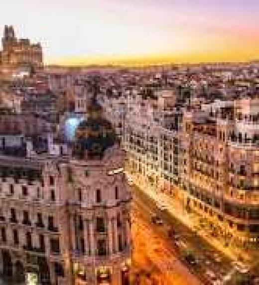 Vista de la calle más famosa de Madrid, la Gran Vía.