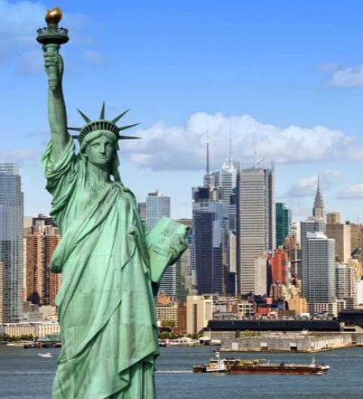 Natalie Davis vive en Nueva York, viaja a España para celebrar su cumpleaños