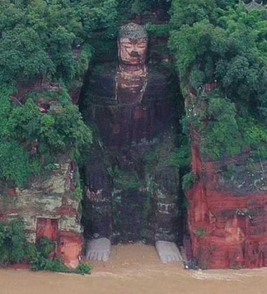 71 años transcurren para que los pies de Buda se laven. ¿Se darán de nuevo grandes cambios?  ¿Será este el fin del control del Partido Comunista Chino?