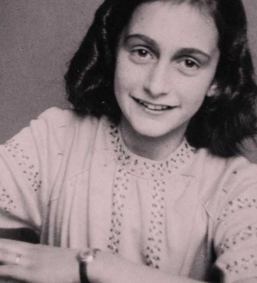 Ana Frank es a quien le he dedicado todas las historias de mi novela.