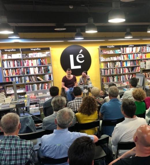 Primera presentación de la novela en la Librería Lé de Madrid.