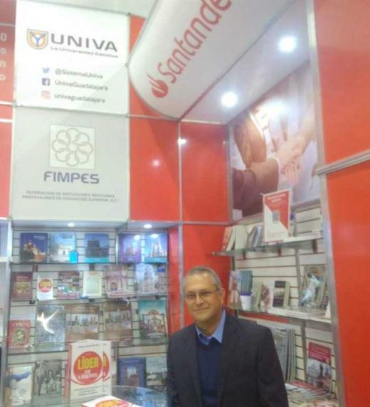 Primera exposición del Libro Líder de Líderes en la Feria Internacional del Libro en Guadalajara
