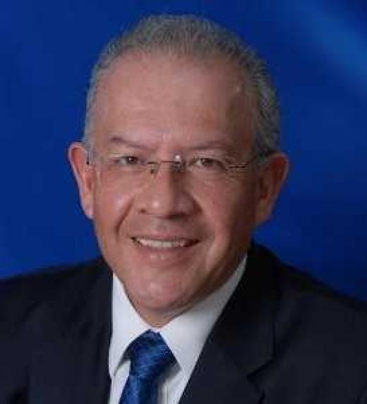 Foto de Enrique Marín, el coautor de este libro. Él es especialista y consultor en temas de retiro y preparación integral para la jubilación